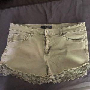 TINSEL - NWOT Denim Shorts (31)